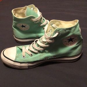 ⭐️ Chuck Taylor All Star High Top Sneaker